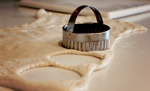 cookie-cutter-cut-out-circl