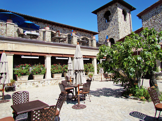 jacuzzi-courtyard-winery-ca