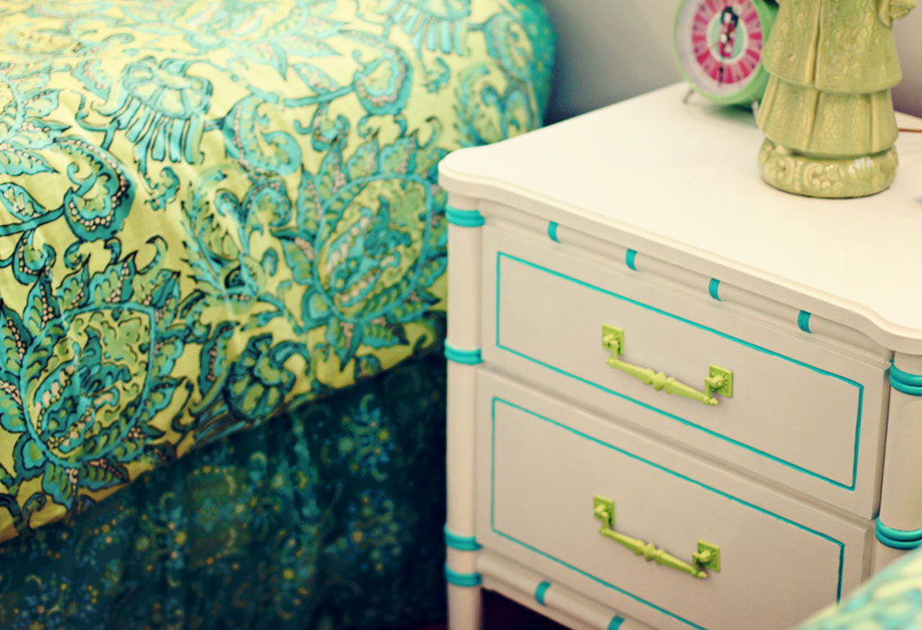 aqua-lime-green-bedroom-acc
