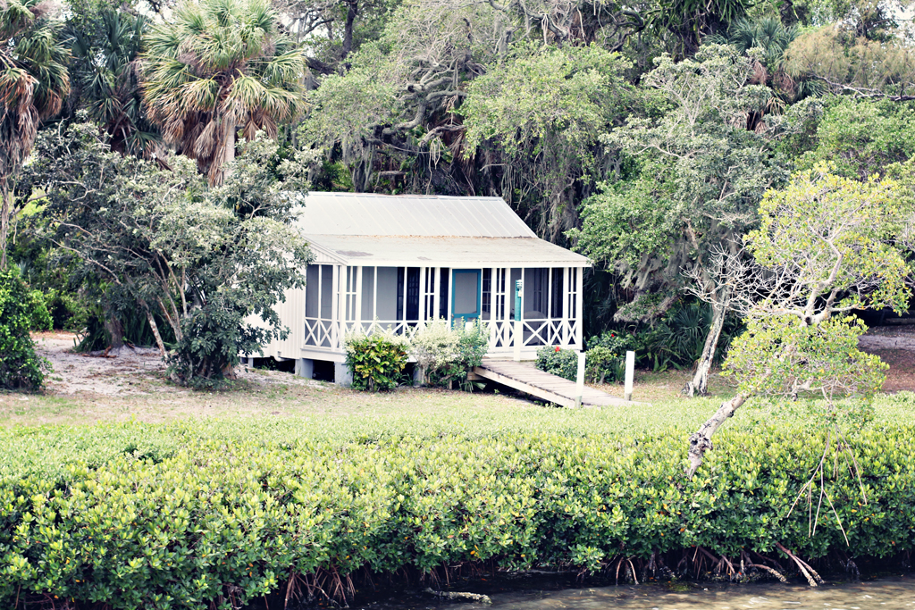 old-style-florida-cottage
