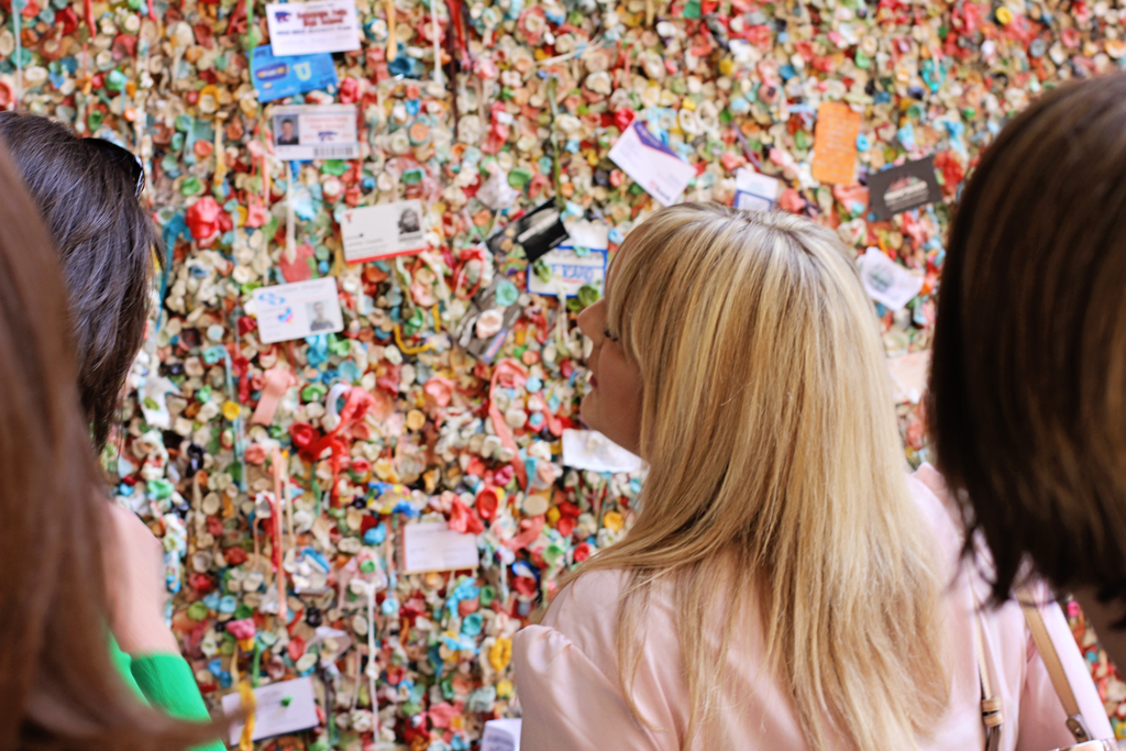 chic-retreat-teachers-looking-at-gum-wall-seattle