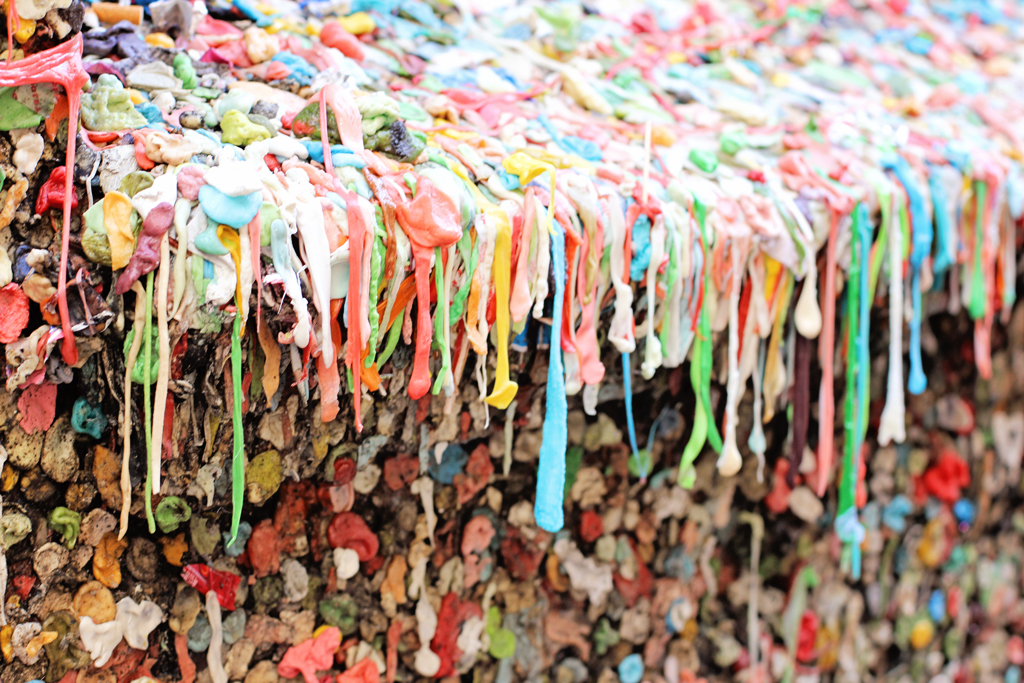 seattle-washington-gum-wall-on-a-ledge