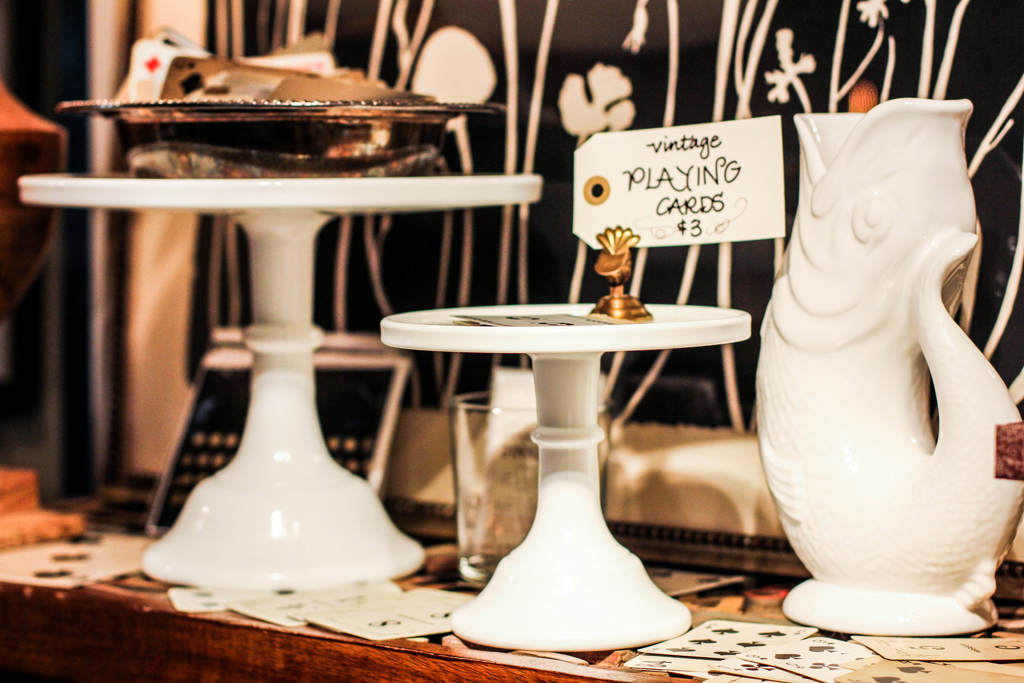 white-cake-pedestals-antique
