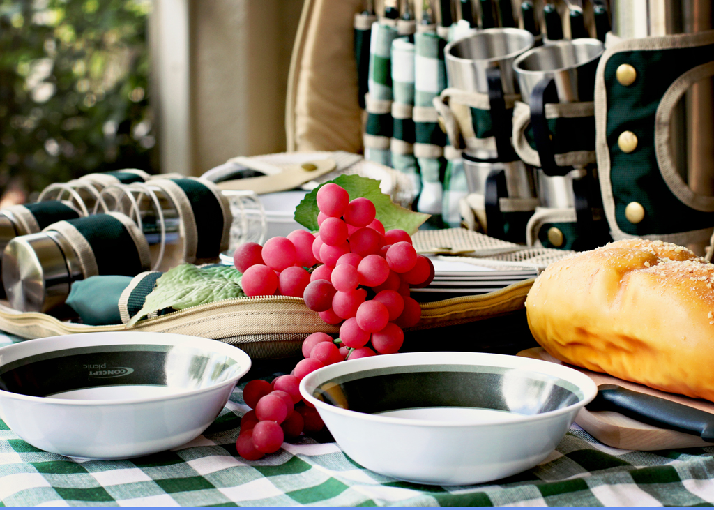 green-picnic-basket-checkered-green-tablecloth