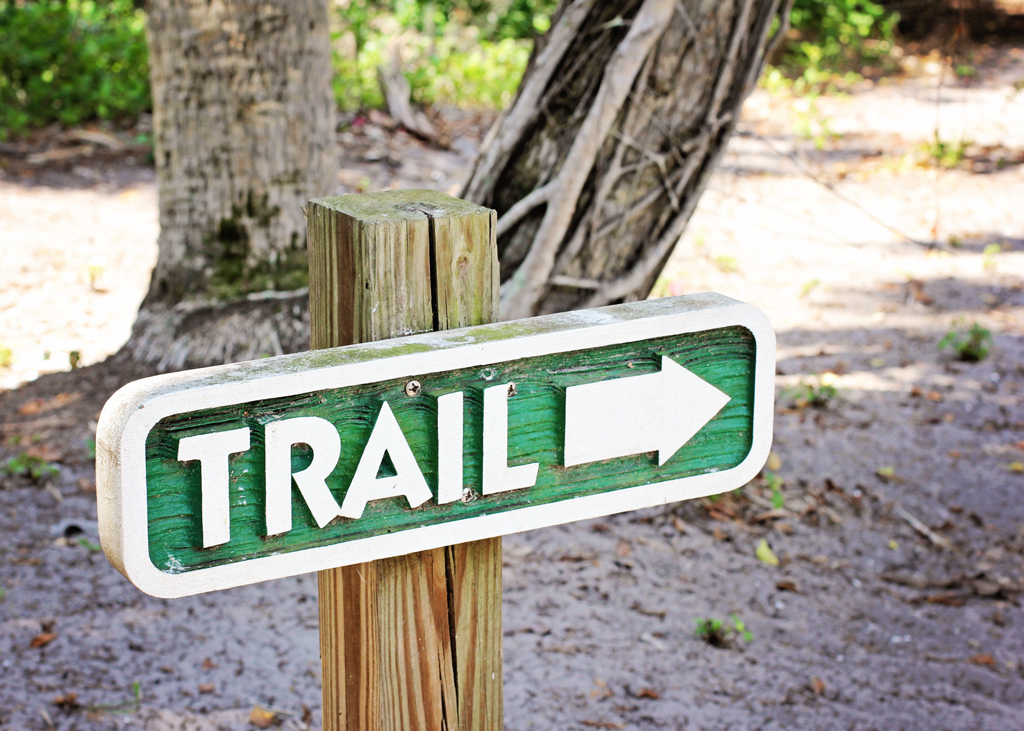 trail-sign-on-cabbage-key-island
