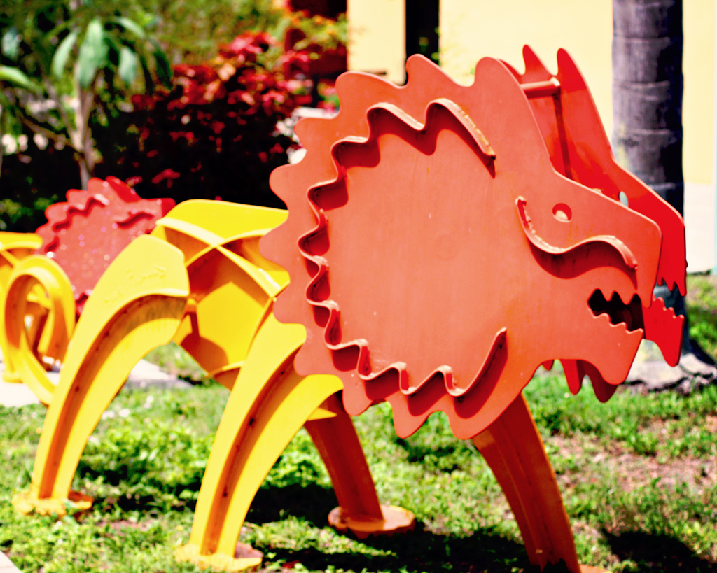 yellow-red-lion-metal-art-sculpture