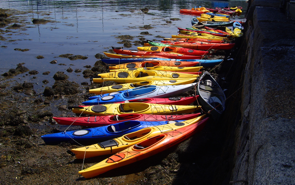 colorful-kayaks-rockport-massachutes