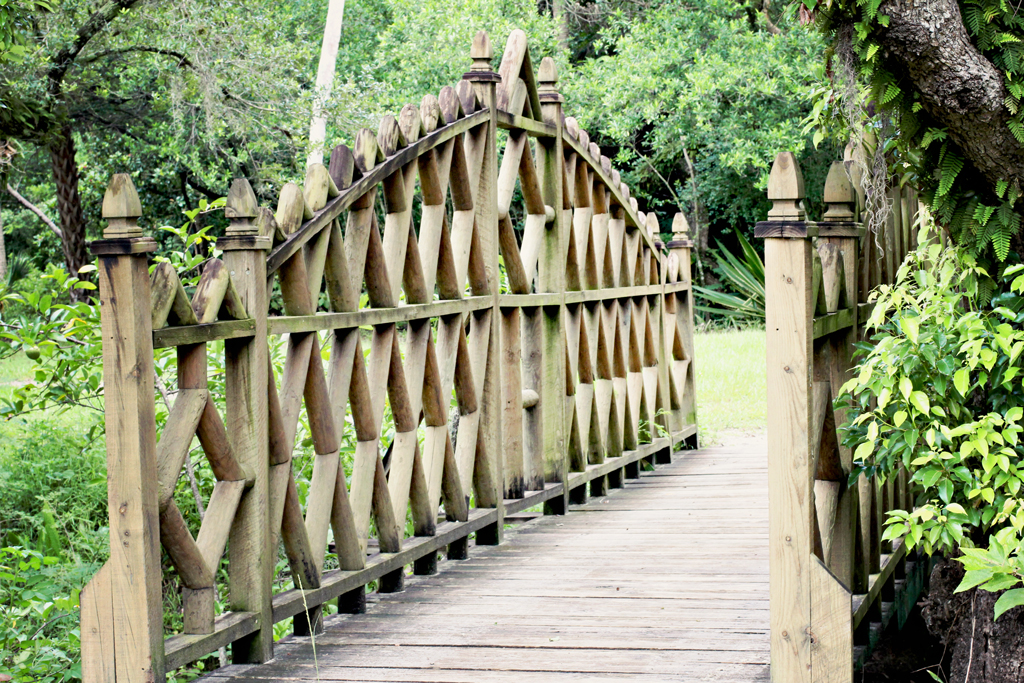 ornate-brown-bridge-koreshan-state-park