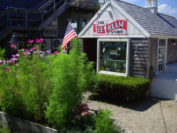 rockport-massachutes-ice-cream-shop