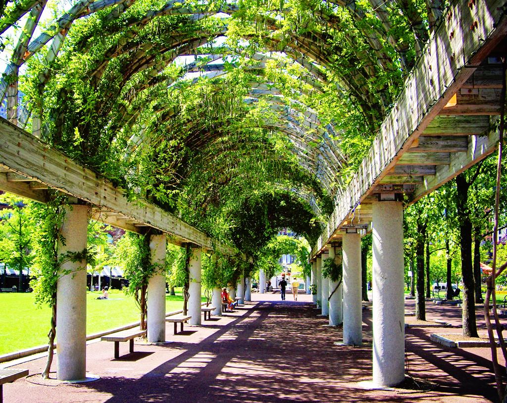 christopher-columbus-park