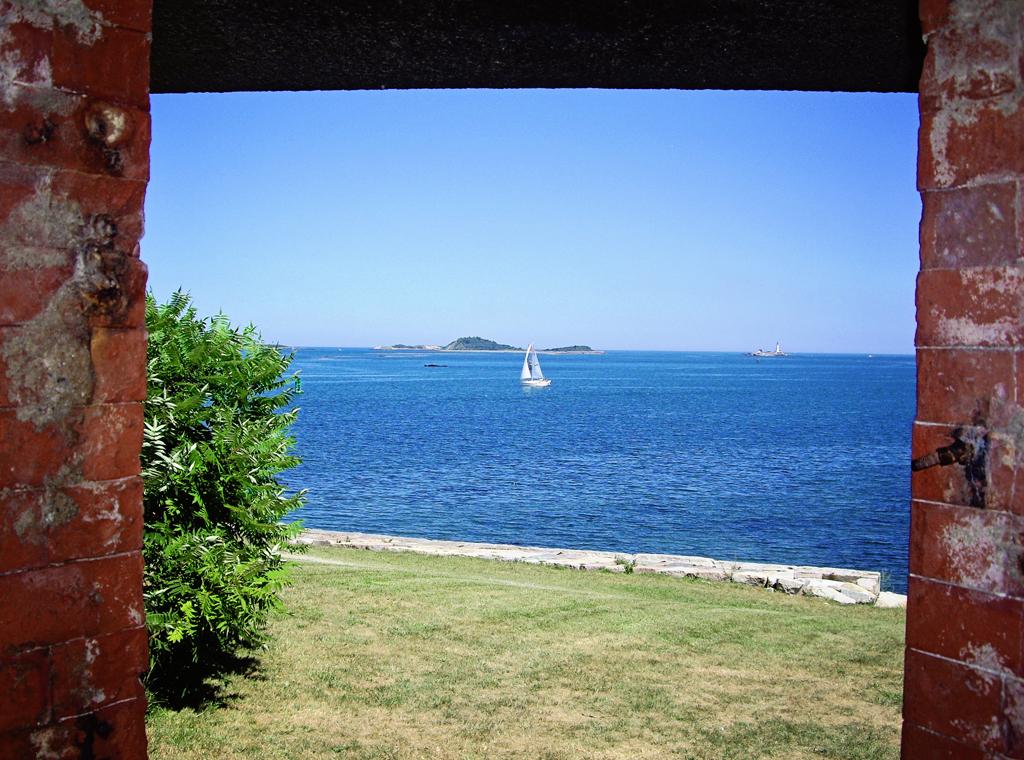 fort-warren-window