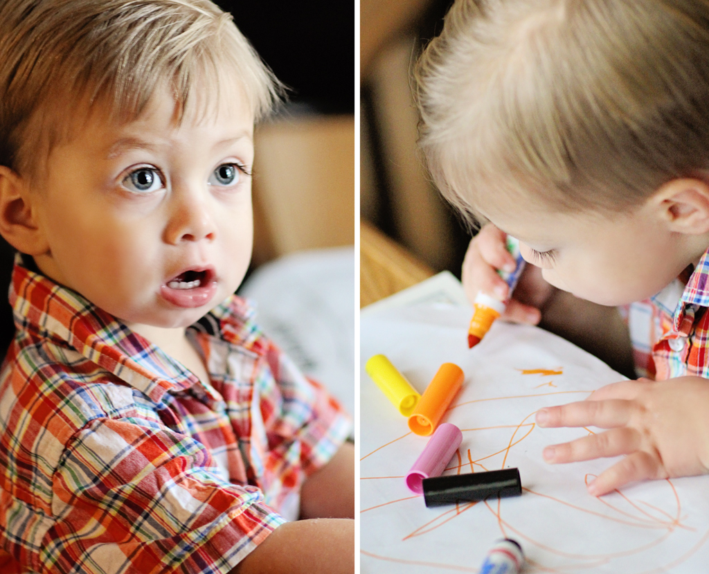 2-year-old-boy-coloring-session-at-christmas