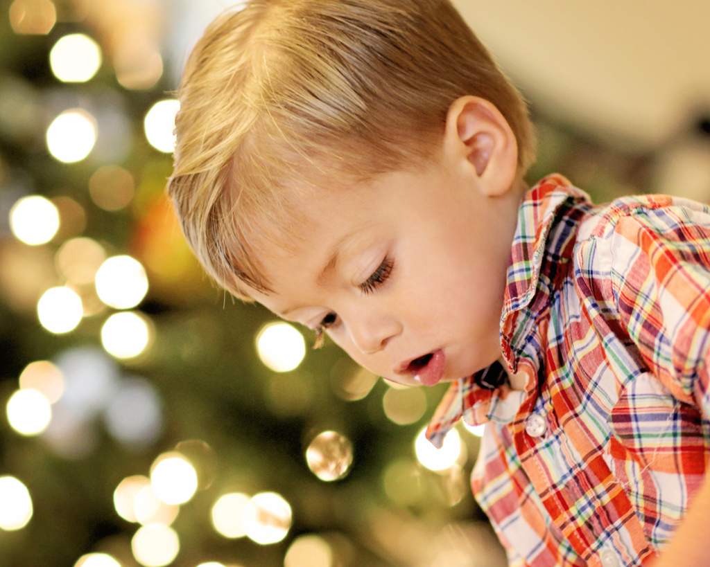 christmas-time-with-a-2-year-old-boy