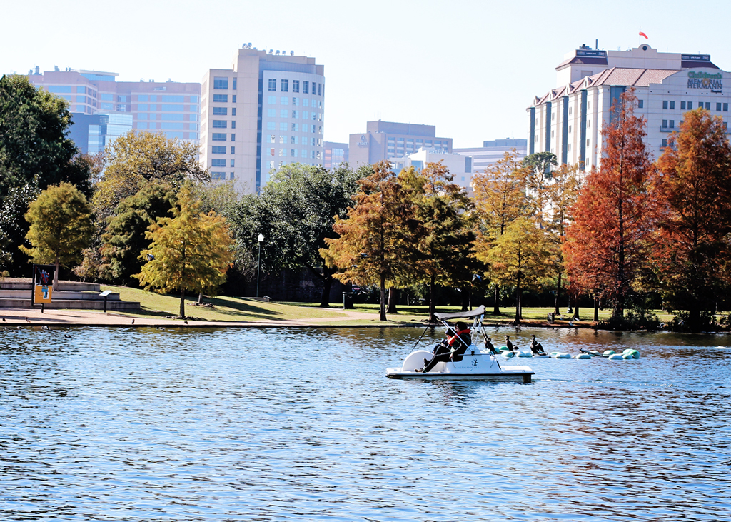paddle-boat-in-hermann-park-houston-texas