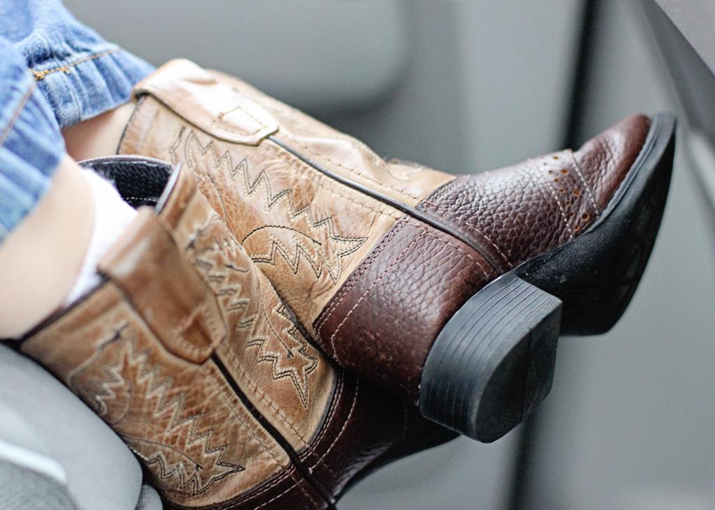baby-boy-cowboy-boots-adorable