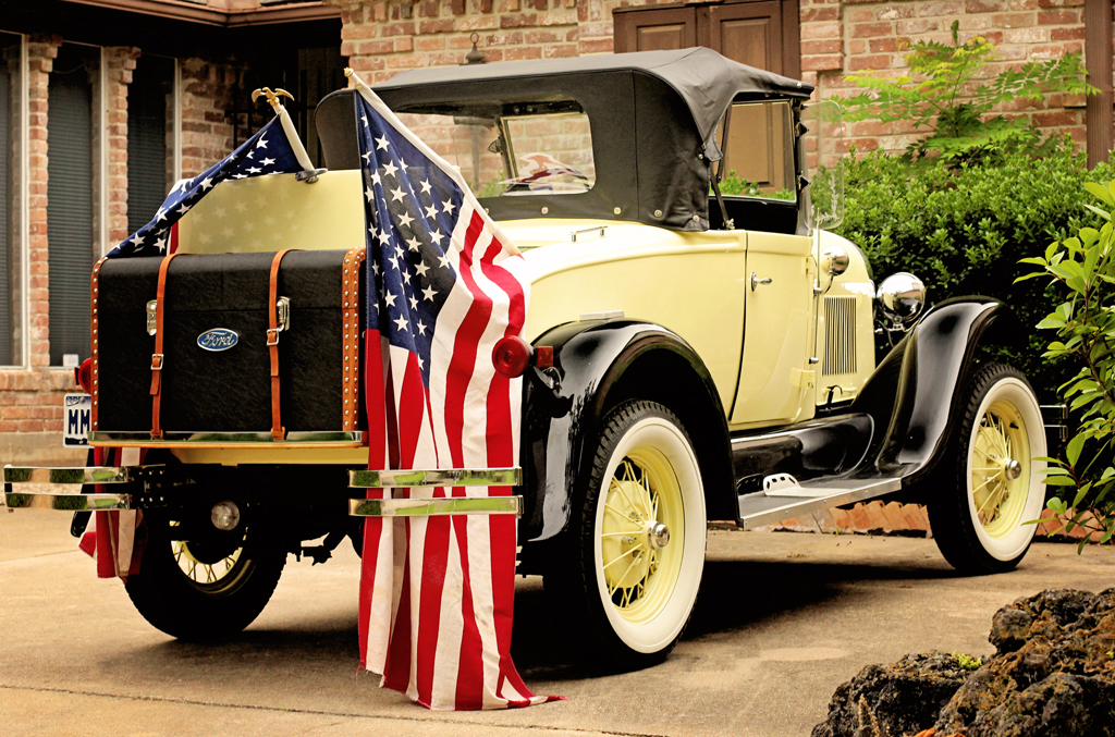 old-Ford-car-american-flags
