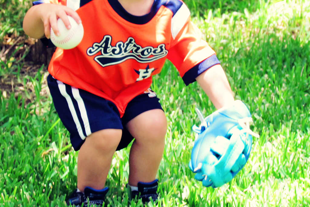 2-yr-old-playing-baseball-astros-uniform-houston
