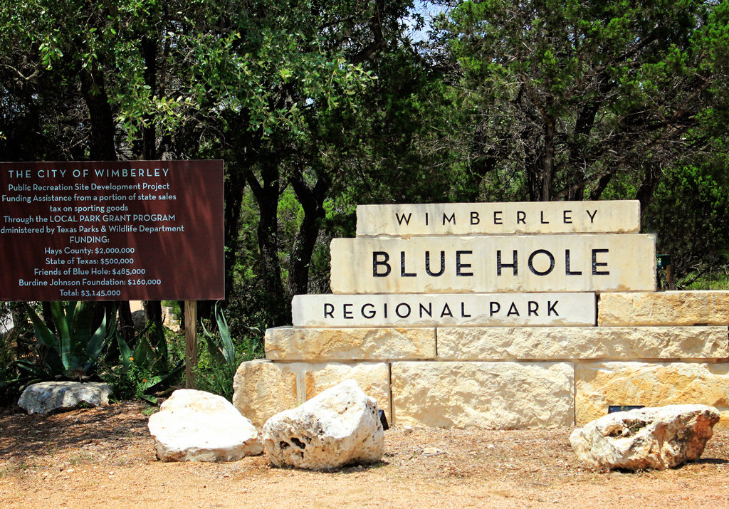 blue-hole-regional-park-wimberely-texas-sign-entrance