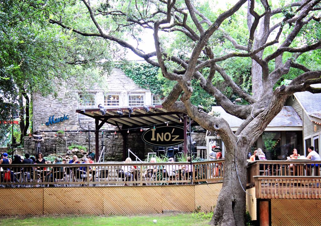 INO'Z Restaurant Deck View