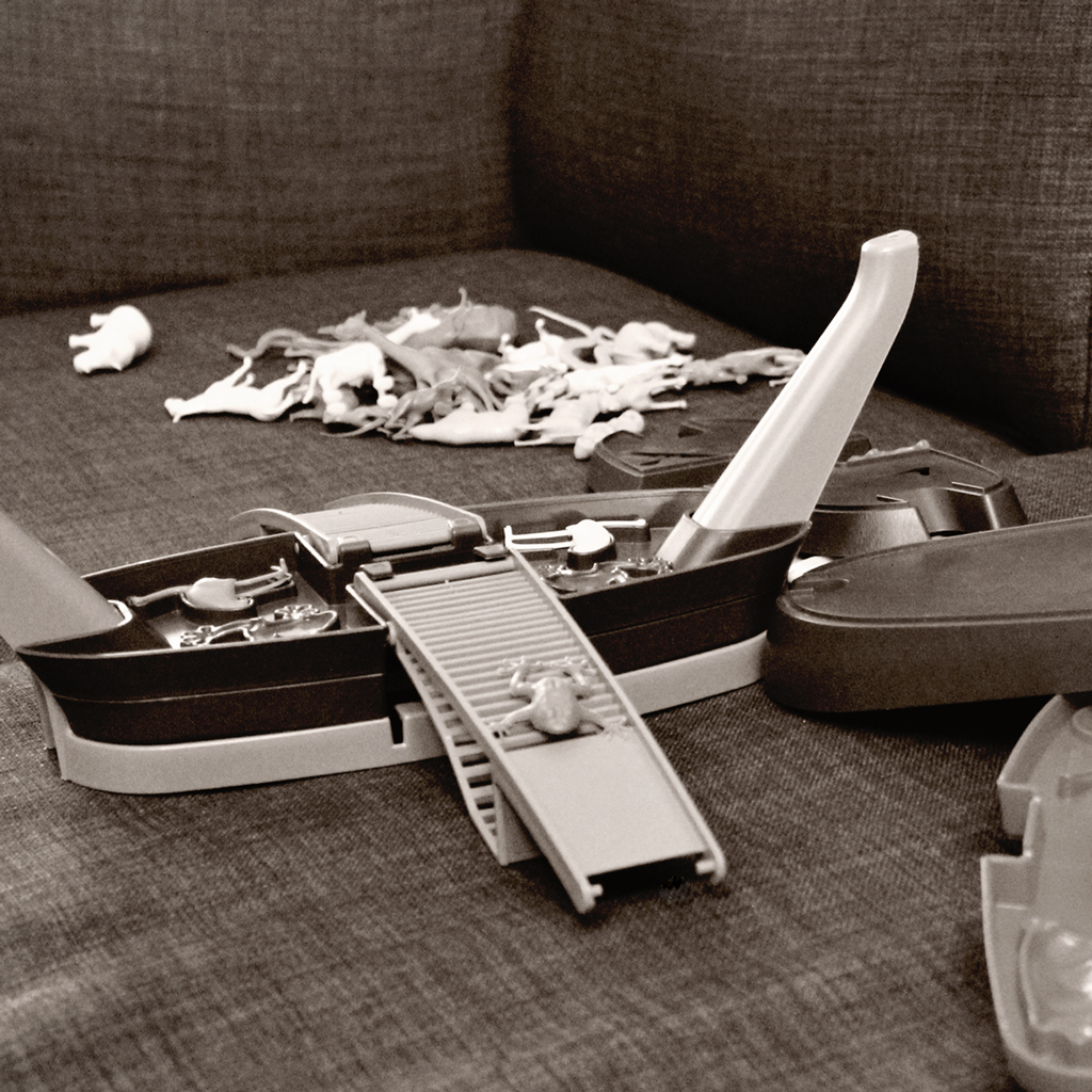 noahs-ark-toy-dismantled