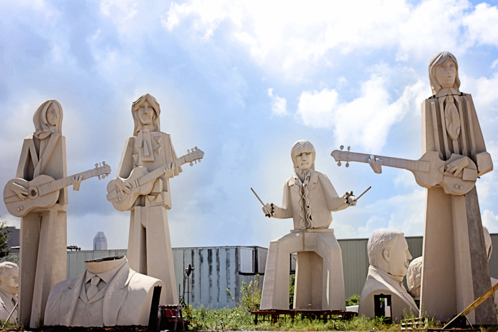 beatles-statues-1