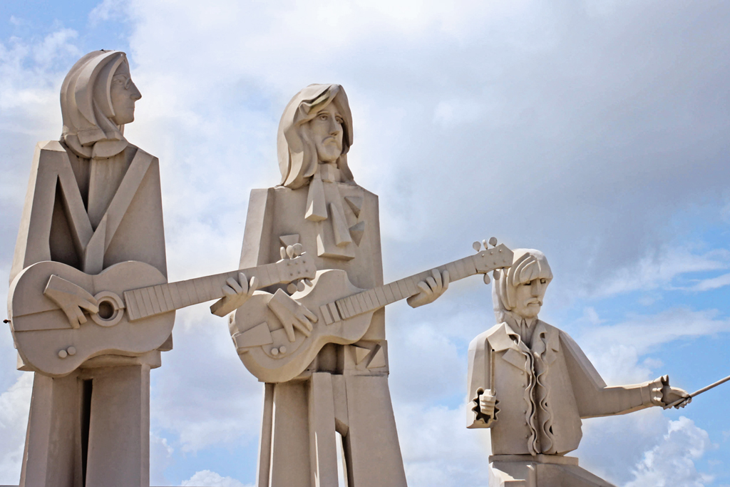 beatles-statues-3