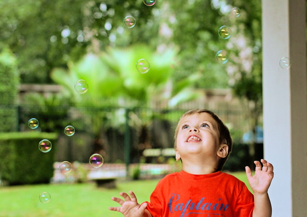 blowing-bubbles-with-grandpa