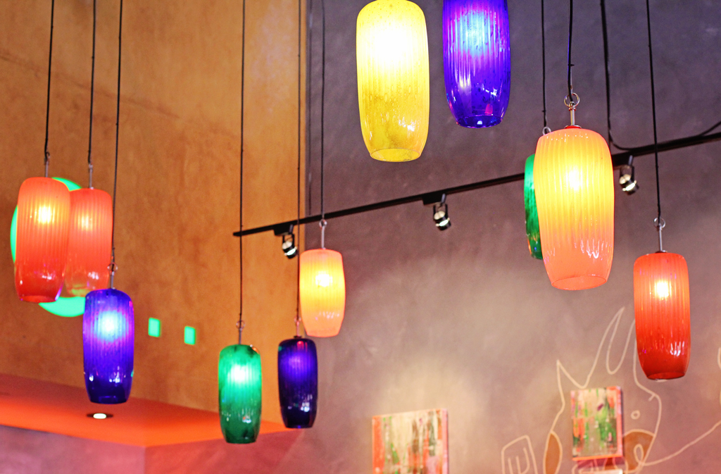colorful-lite-pendants-at-piola-restaurant
