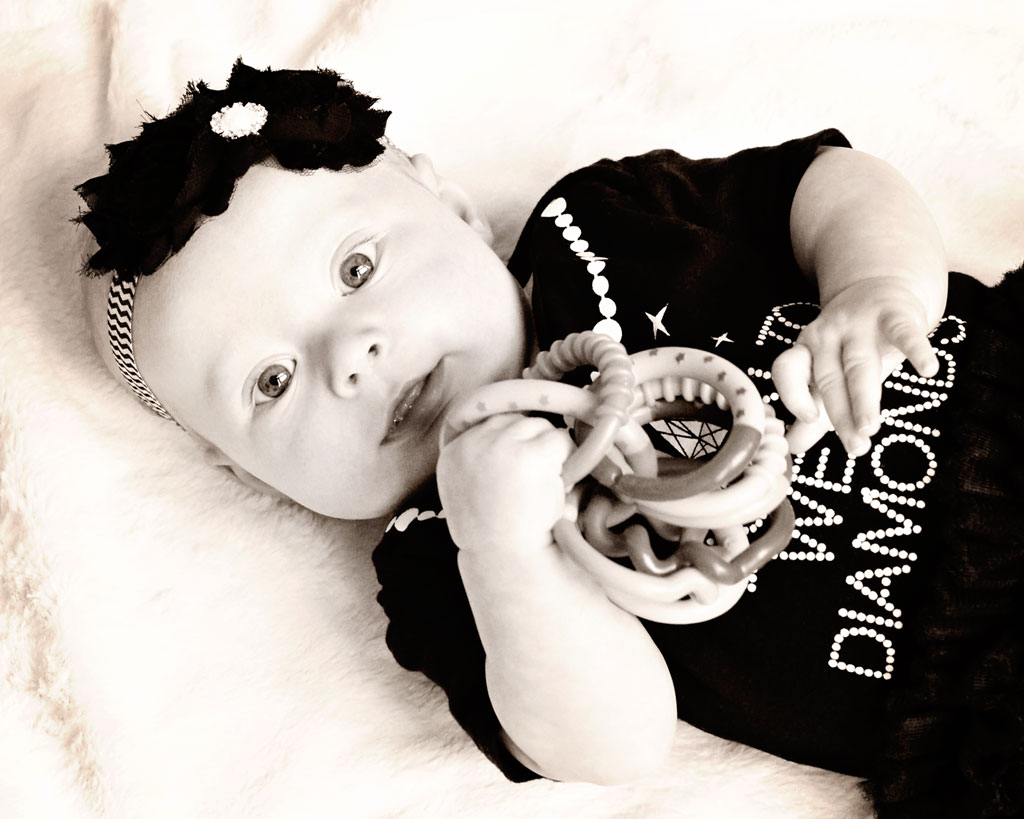 4-month-old-baby-girl-sepia-photography