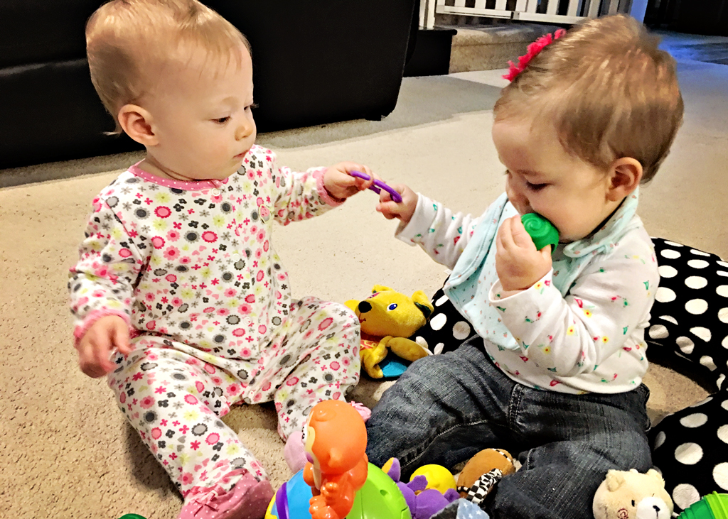 baby-cousins-playing