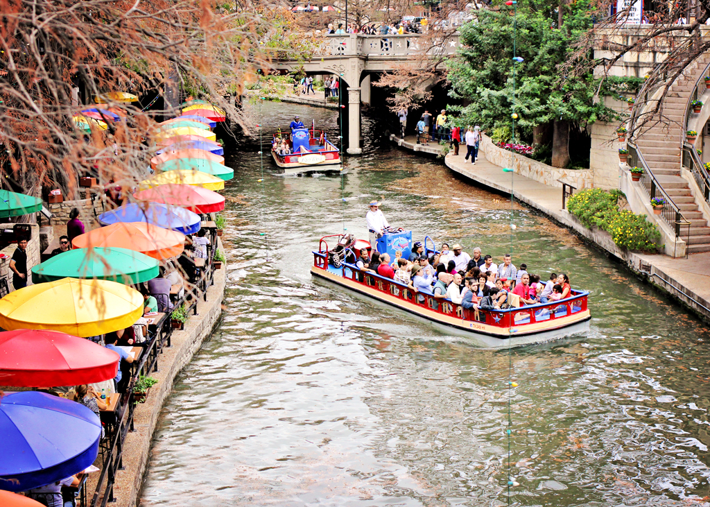 riverwalk-san-antonio-rio-river-taxi