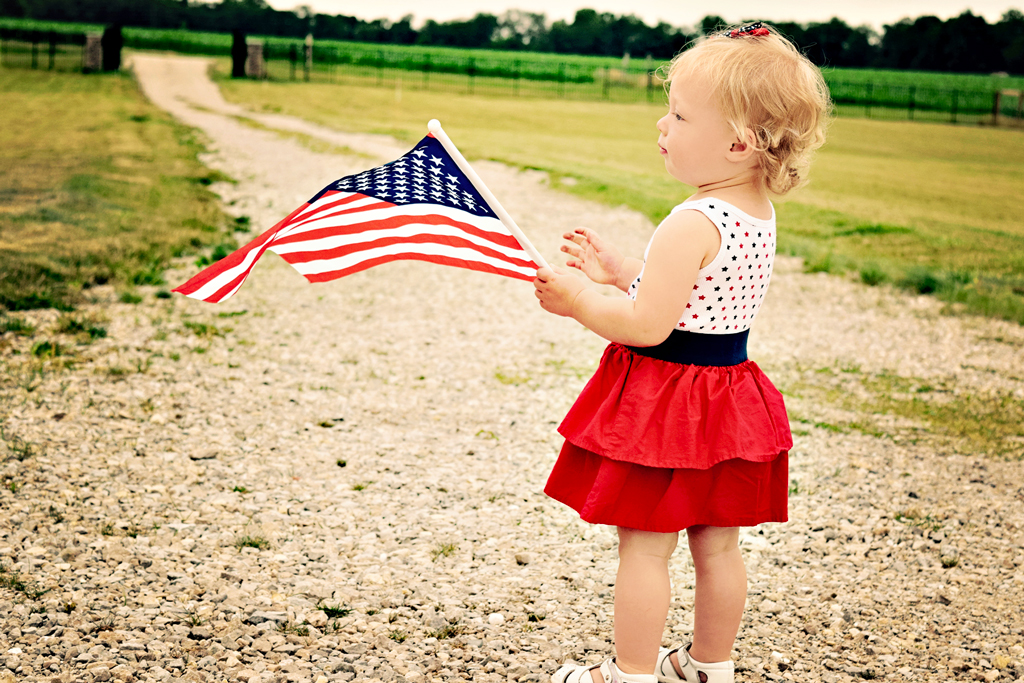 independencedayflagtoddler