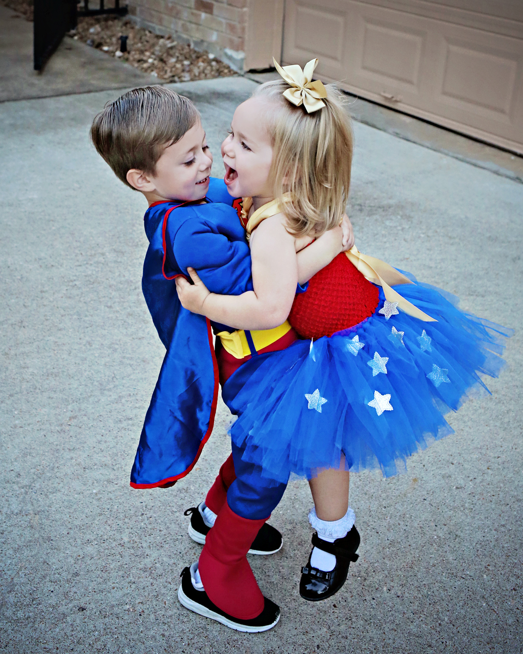 toddlerwonderwomansupermanadorable